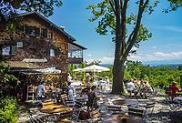Deutschland, Bayern, Oberbayern, Starnberger See, bei Tutzing: Biergarten auf der Ilkahoehe | Germany, Bavaria, Upper Bavaria, Lake Starnberg, near Tutzing: beer garden at Ilka Heights