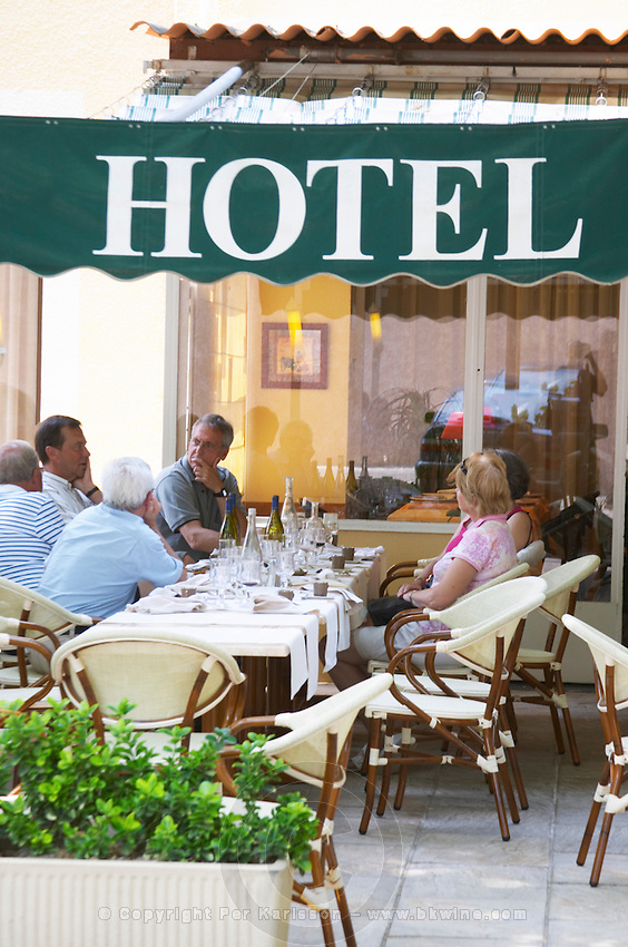 restaurant terrace rhone france