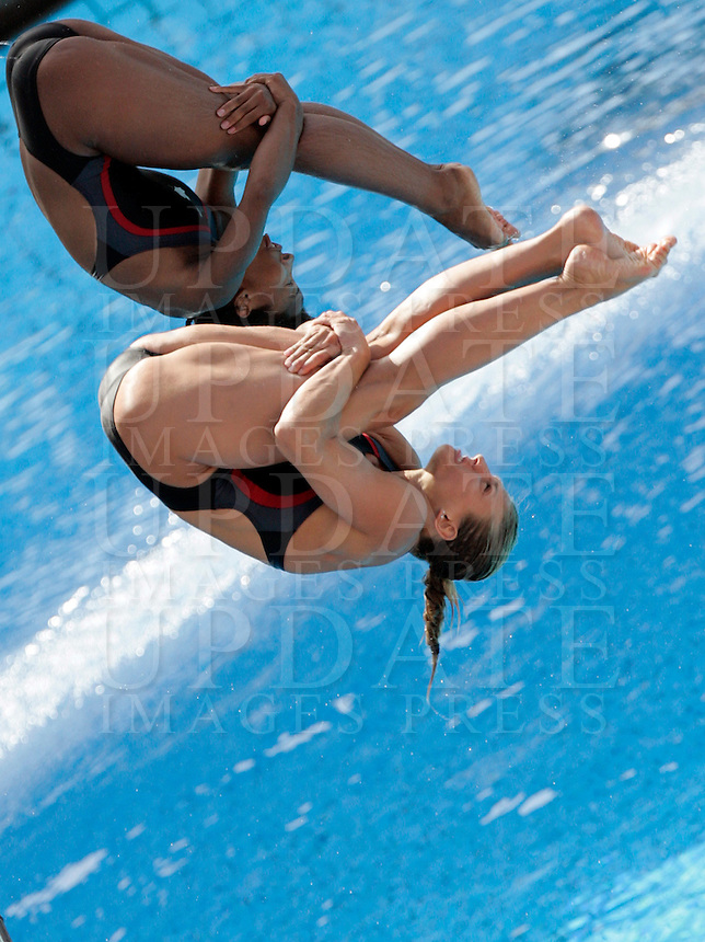 Canada's Jennifer Abel and Melanie Rinaldi compete in the women 3-meter synchro springboard diving finals at the Swimming World Championships in Rome, 24 July 2009..UPDATE IMAGES PRESS/Riccardo De Luca