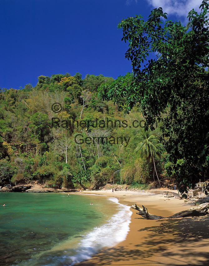 Trinidad & Tobago, Commonwealth, Trinidad, Macqueripe Bay; quiet beach in the north-west