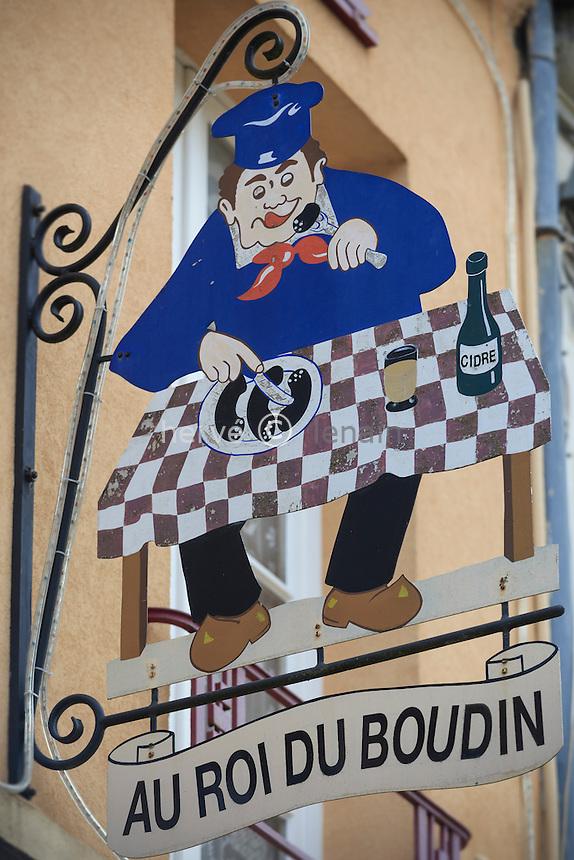 France, Orne (61), Mortagne-au-Perche, enseigne de charcutier // France, Orne, Mortagne au Perche, sign butcher