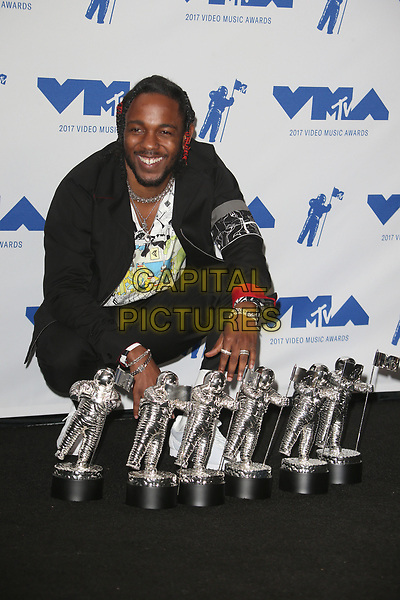 INGLEWOOD, CA - AUGUST 27: Kendrick Lamar in the press room at the 2017 MTV Video Music Awards At The Forum in Inglewood, California on August 27, 2017. <br /> CAP/MPI/FS<br /> &copy;FS/MPI/Capital Pictures