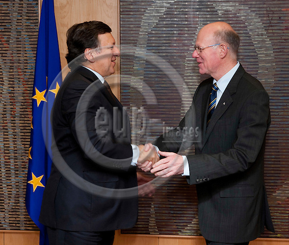 Brussels-Belgium - February 01, 2012 -- Visit to Brussels by Prof. Dr. Norbert LAMMERT (ri), President / Speaker of the German Parliament (Deutscher Bundestag); here, meeting with José (Jose) Manuel BARROSO (le), President of the European Commission -- Photo: Horst Wagner / eup-images