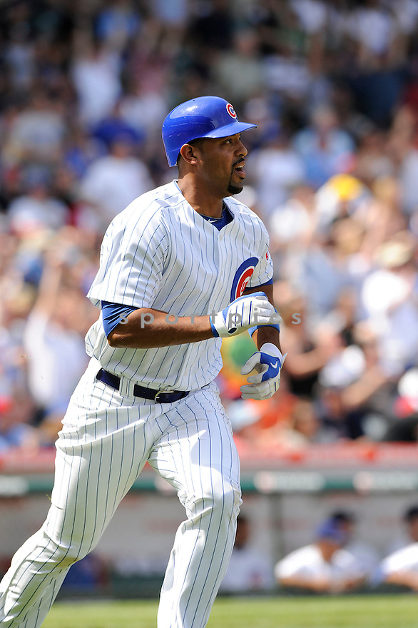 DERREK LEE, of the Chicago Cubs, in action during the Cubs game against the Milwaukee Brewers at Wrigley Field in Chicago, Illinois  on April 15, 2010...The Brewer win 8-6