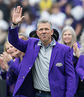 Mark Brunell was a member of perhaps the greatest Husky Hall of Fame class to date, which also included superstars Courtney Thompson, Danielle Lawrie and Brandon Roy.