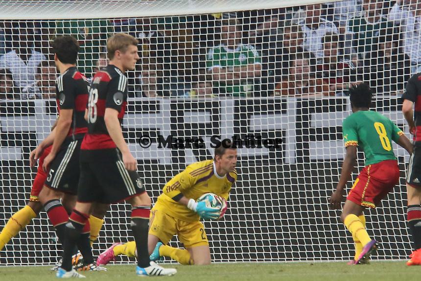 Roman Weidenfeller (D) haelt - Deutschland vs. Kamerun, Mönchengladbach