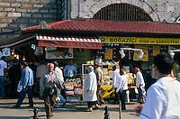 Türkei, Käseladen beim ägyptischen Basar (Misir Carsi) in Istanbul