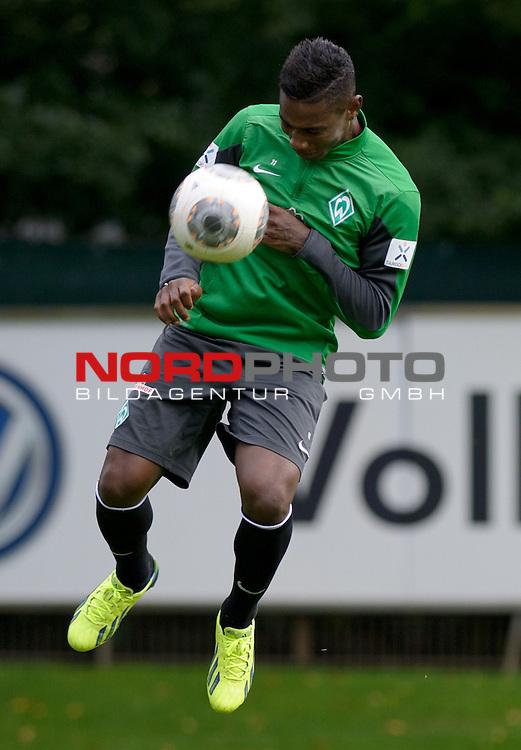 26.09.2013, Trainingsgelaende, Bremen, GER, 1.FBL, Training Werder Bremen, im Bild Eljero Elia (Bremen #11)<br /> <br /> Foto &copy; nph / Frisch
