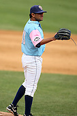 May 3, 2009:  Pitcher Edgar Alfonso (19) of the Binghamton Mets, Eastern League Class-AA affiliate of the New York Mets, during a game at the NYSEG Stadium in Binghamton, NY.  The Mets wore special blue and pink jerseys that were auctioned off after the game to benefit breast and prostate cancer.  Photo by:  Mike Janes/Four Seam Images