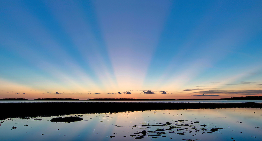Sunset from no-name island in Chokoloskee Pass in Florida's Everglades National Park out of Chokoloskee Island and the 10,000 Islands National Wildlife Refuge. Photo/Andrew Shurtleff