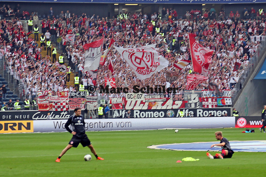 Mainzer Fans sorgen für Stimmung in Frankfurt - Eintracht Frankfurt vs. 1. FSV Mainz 05