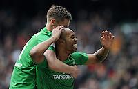 FUSSBALL   1. BUNDESLIGA   SAISON 2011/2012   32. SPIELTAG SV Werder Bremen - FC Bayern Muenchen               21.04.2012 Markus Rosenberg (li) und Naldo (re, beide SV Werder Bremen)  jubeln nach dem 1:0