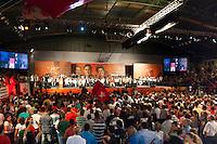 BELO HORIZONTE-MG-14022014- 34 ANOS DO PT- PRE CANDIDATURA DE PIMENTEL - O ex presidente da Republica Luiz Inacio Lula da Silva e a Presidente Dilma Rousseff com o ex-ministro Fernando Pimentel durante a comemoração dos 34 anos de fundação do PT e o lançamento da Caravana da Participação que percorrerá cidades de Minas e cujo lema é A Gente Quer o que é Melhor para Voce. Ginásio do Colégio Pio XII em Belo Horizonte na noite desta sexta-feira, 14-(Foto: Sergio Falci / Brazil Photo Press).
