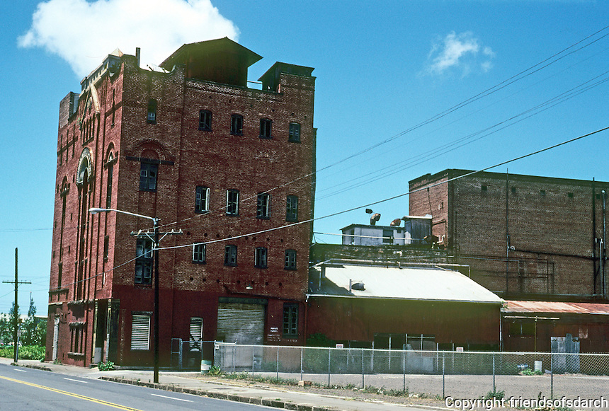 Honolulu: Honolulu Brewing & Malting Co., 1900. 553 Queen St. Facing demolition when picture taken. Photo '82.