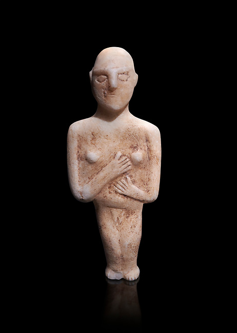 Post canonical female ancient Greek Cycladic figurine, Late Ccladic priod II to Cycladic period III (2500-2000 BC)Museum of Cycladic Art Athens, cat no 312.   Against black