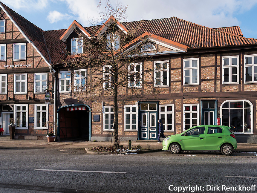 Fachwerkh&auml;user und Restaurant Goldner Engel in der Harburger Schlo&szlig;stra&szlig;e, Hamburg, Deutschland, Europa<br /> half timbered houses and inn GoldnerEngel, Hatburger Schlo&szlig;stra0e, Hamburg-Harburg Germany Europe