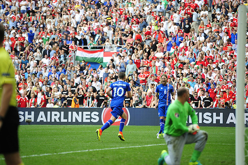 18.06.2016, Stade Velodrome, Marseille, FRA, UEFA European football Championships Group F. Iceland versus Hungary.  Penalty scored for 1-0 from Sigurdsson (ice) after Kiraly (hun) gave away a contact penalty in the box
