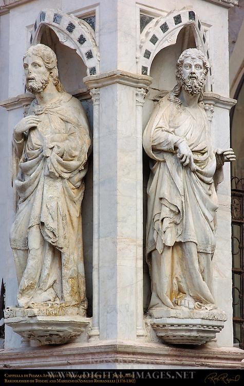 Cappella di Piazza Apostles, Bartolomeo di Tomme and Mariano d'Angelo Romanelli 1378-82, Piazza del Campo, Siena, Italy