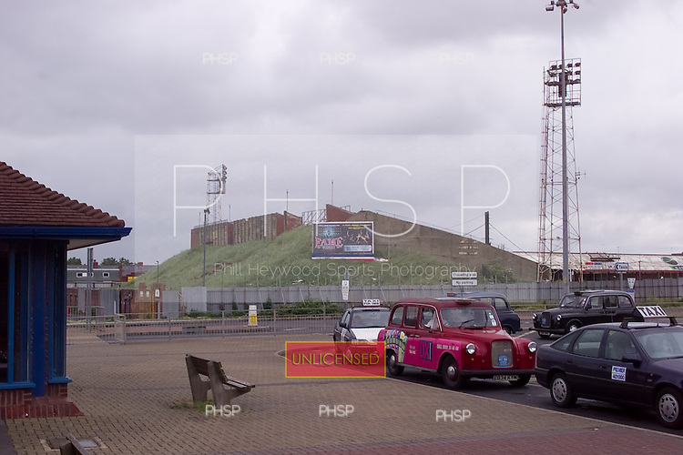 23/06/2000 Blackpool FC Bloomfield Road Ground..Kop from Lonsdale Rd.....© Phill Heywood.