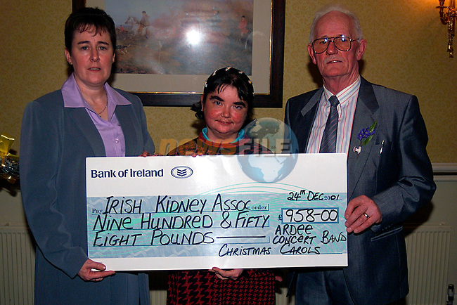 Patsy Kerr and Jim Gavain Presenting a cheque to Michelle Trayor,for the Irish Kidney Association in the Cunyngham Arms Slane...Pic Tony Campbell/Newsfile