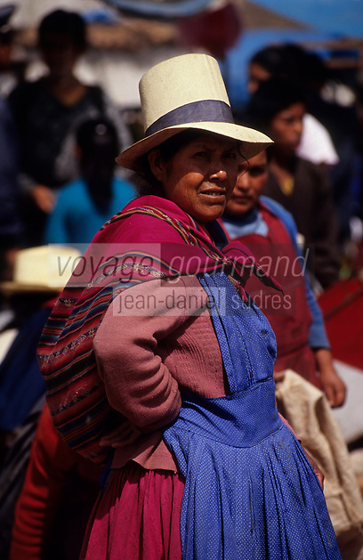 Amérique/Amérique du Sud/Pérou/Urubamba : Portrait sur le marché