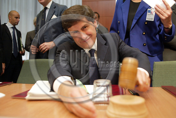 Brussels---Council---Council of Agriculture    29.09.2003.Giovanni ALEMANNO, Minister for Agriculture and Forestry, Italy..PHOTO: EUP-IMAGES.COM / ANNA-MARIA ROMANELLI