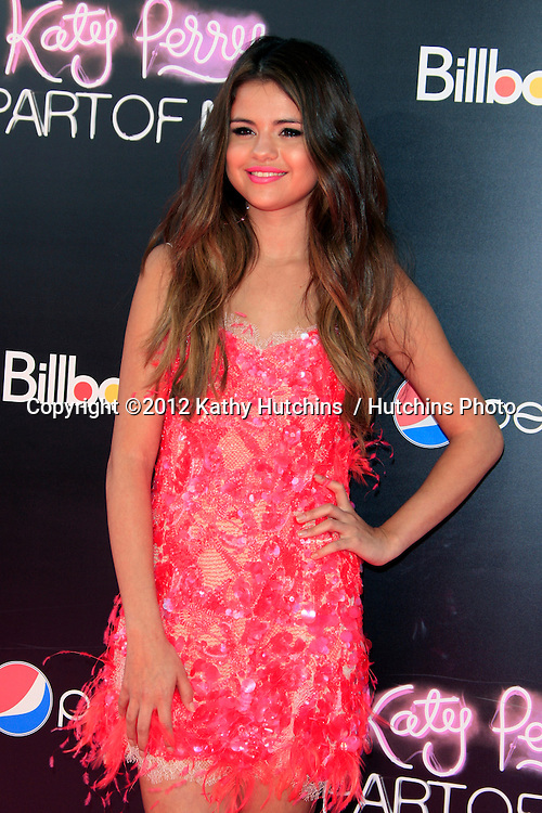 """LOS ANGELES - JUN 26:  Selena Gomez arrives at the """"Katy Perry: Part Of Me"""" Premiere at Graumans Chinese Theater on June 26, 2012 in Los Angeles, CA"""
