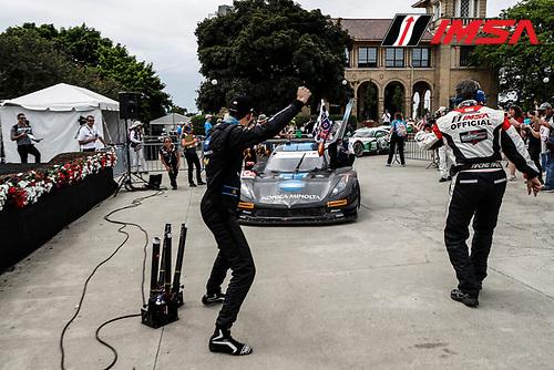 3-4 June, 2016, Detroit, Michigan USA<br /> 10, Chevrolet, Corvette DP, P, Ricky Taylor, Jordan Taylor pulling into Victory Lane<br /> &copy;2016, Michael L. Levitt<br /> LAT Photo USA