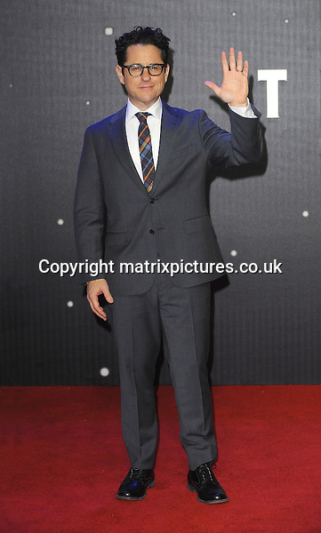 NON EXCLUSIVE PICTURE: PAUL TREADWAY / MATRIXPICTURES.CO.UK<br /> PLEASE CREDIT ALL USES<br /> <br /> WORLD RIGHTS<br /> <br /> American director J.J. Abrams attending the European Premiere of Star Wars: The Force Awakens in Leicester Square, in London.<br /> <br /> DECEMBER 16th 2015<br /> <br /> REF: PTY 153700