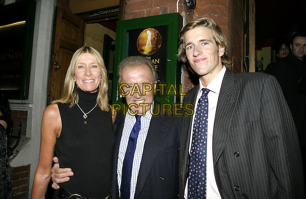 DAVID FROST WITH WIFE AND SON.Woman In White Press Night, Palace Theatre, Shaftesbury Avenue, London.September 15th, 2004.headshot, portrait, family, husband, father, mother.www.capitalpictures.com.sales@capitalpictures.com.© Capital Pictures.