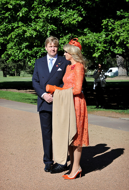 King Willem Alexander (L) and Queen Maxima (R) of the Netherlands during a visit to the Australian War Memorial, Canberra, Nov 2, 2016. AFP PHOTO/ MARK GRAHAM