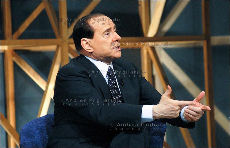 Italia, Milano, Studi televisivi Telelombardia, 06/03/2006..Registrazione trasmissione con Silvio Berlusconi..© Andrea Pagliarulo