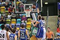 Johannes Voigtmann (Skyliners) gegen Kenneth Frease (Artland) - Fraport Skyliners vs. Artland Dragons Quakenbrueck, Fraport Arena Frankfurt