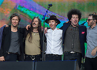 The Band come together as Beck finish there set during British Summertime Music Festival at Hyde Park, London, England on 18 June 2015. Photo by Andy Rowland.