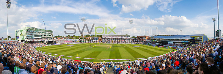 Picture by Alex Whitehead/SWpix.com - 11/09/2015 - Cricket - Royal London One-Day Series - England v Australia, 4th ODI - Headingley Cricket Ground, Leeds, England - Brief.