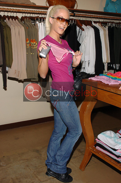 """Kendra Wilkinson<br />at the Worldwide unveiling of the all new """"Fox Film Icons"""" clothing line. Lisa Kline, Los Angeles, CA. 02-02-06<br />Scott Kirkland/DailyCeleb.Com 818-249-4998"""