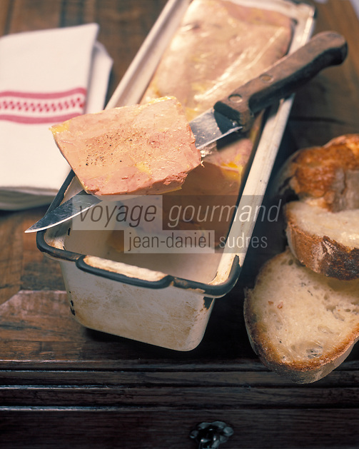 """Europe/France/Aquitaine/24/Dordogne/Vallée de la Dordogne/Périgord/Périgord Noir/Sarlat-la-Canéda: Terrine de foie gras - Recette du restaurant de l'hôtel """"Saint-Albert"""""""