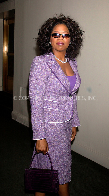 WWW.ACEPIXS.COM . . . . . ....NEW YORK, APRIL 11, 2005....Oprah Winfrey at the 2005 Matrix Awards entitled 'Women Who Are Changing the World' held at the Waldorf-Astoria Hotel.....Please byline: KRISTIN CALLAHAN - ACE PICTURES.. . . . . . ..Ace Pictures, Inc:  ..Craig Ashby (212) 243-8787..e-mail: picturedesk@acepixs.com..web: http://www.acepixs.com