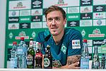 02.11.2018, Weserstadion, Bremen, GER, 1.FBL, PK SV Werder Bremen<br /> <br /> im Bild <br /> Max Kruse (Werder Bremen #10), <br /> bei PK / Pressekonferenz vor dem Auswärtsspiel bei 1. FSV Mainz 05, <br /> <br /> Foto © nordphoto / Ewert