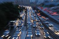 SAO PAULO, SP, 08-02-2013, TRANSITO. Ligavao leste oeste  apresenta trafego intenso na manha dessa Sexta-feira (8) vespera de feriado de Carnaval, na foto a Ligacao Leste Oeste. Luiz Guarnieri/ Brazil Photo Press.