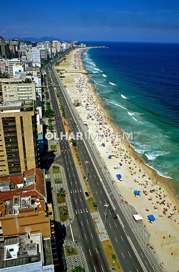 Vista aérea da praia de Ipanema. Rio de Janeiro. 1999. Foto de Juca Martins.