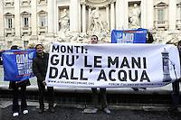 Roma, 19 Gennaio 2012.Fontana di Trevi.Protesta in difesa dell'esito referendario dello scorso anno, contro la privatizzazione dell'acqua.