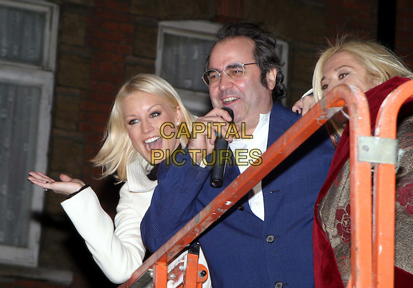 DENISE VAN OUTEN, DANNY BAKER & VENESSA FELTZ.Switching on the Christmas Lights At Marylebone High Street.20/11/2003.half lengh, half-length, microphone, palm up, mouth open.www.capitalpictures.com.sales@capitalpictures.com.© Capital Pictures.