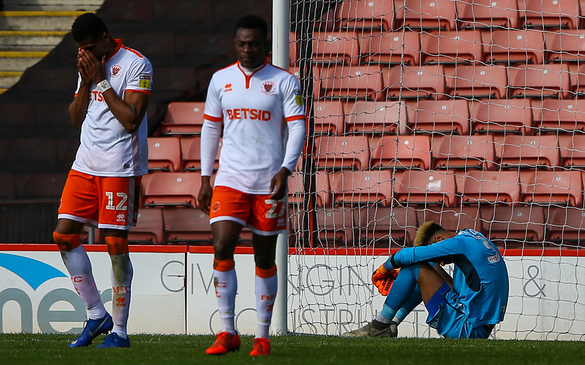 Blackpool players react to going 2-1 down<br /> <br /> Photographer Alex Dodd/CameraSport<br /> <br /> The EFL Sky Bet League One - Barnsley v Blackpool - Saturday 27th April 2019 - Oakwell - Barnsley<br /> <br /> World Copyright © 2019 CameraSport. All rights reserved. 43 Linden Ave. Countesthorpe. Leicester. England. LE8 5PG - Tel: +44 (0) 116 277 4147 - admin@camerasport.com - www.camerasport.com