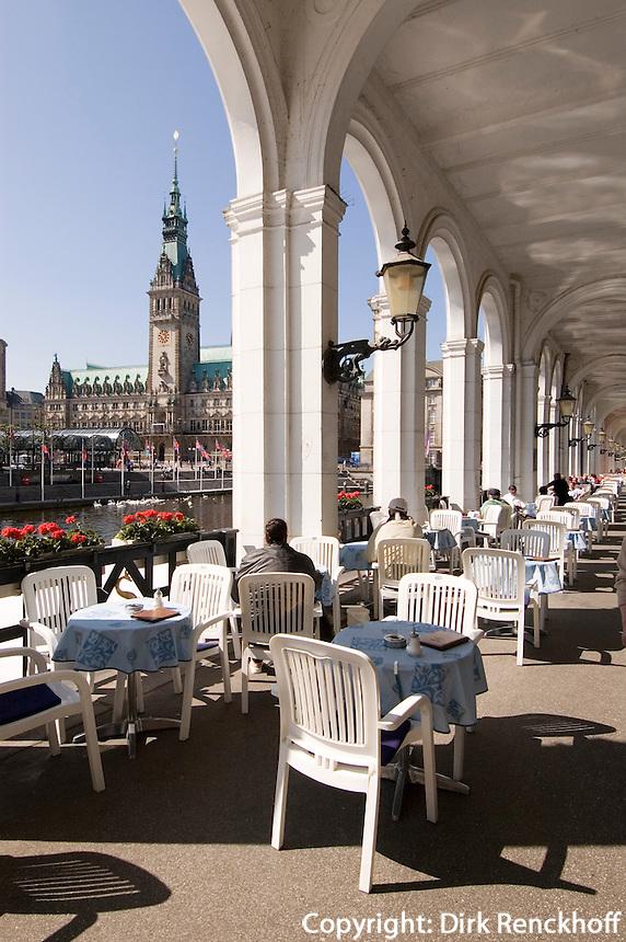 Deutschland, Hamburg, Alsterarkaden und Rathaus