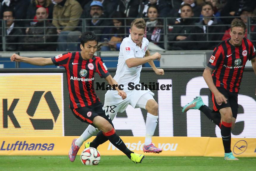 Makoto Hasebe (Eintracht) gegen Daniel Brosinski (Mainz) - Eintracht Frankfurt vs. 1. FSV Mainz 05, Commerzbank Arena