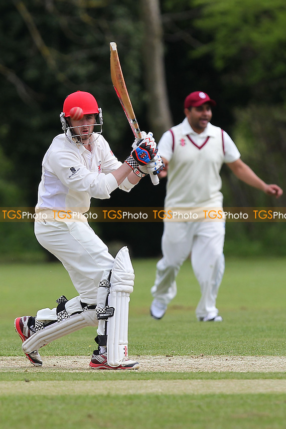 Ronnie Saunders in batting action for Hornchurch - Hornchurch CC vs Oakfield Parkonians CC - Essex Cricket League Cup at Harrow Lodge - 25/04/15 - MANDATORY CREDIT: Gavin Ellis/TGSPHOTO - Self billing applies where appropriate - 0845 094 6026 - contact@tgsphoto.co.uk - NO UNPAID USE
