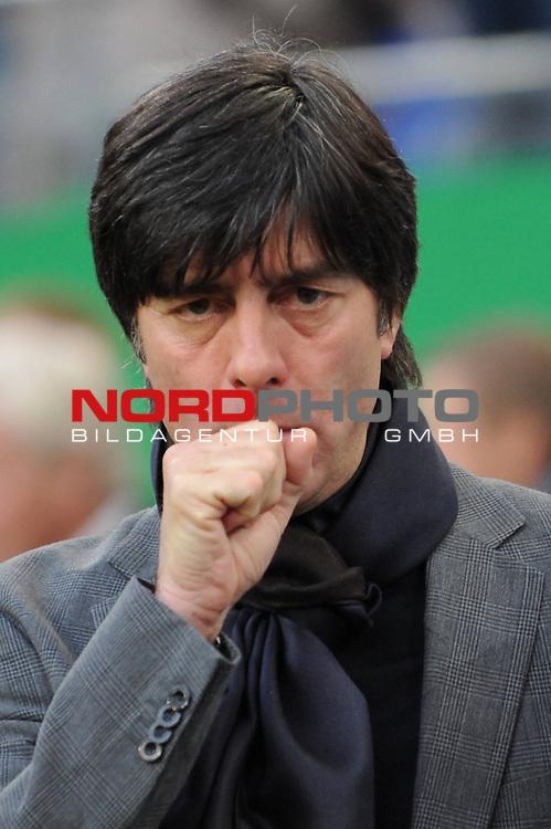 Fussball, L&permil;nderspiel, WM 2010 Qualifikation Gruppe 4  14. Spieltag<br />  Deutschland (GER) vs. Finnland ( FIN )<br /> Einzelportrait Trainer Joachim Loew (L&circ;w GER) hustet.<br /> <br /> <br /> Foto &copy; nph (  nordphoto  )<br />  *** Local Caption *** <br /> <br /> Fotos sind ohne vorherigen schriftliche Zustimmung ausschliesslich f&cedil;r redaktionelle Publikationszwecke zu verwenden.<br /> Auf Anfrage in hoeherer Qualitaet/Aufloesung