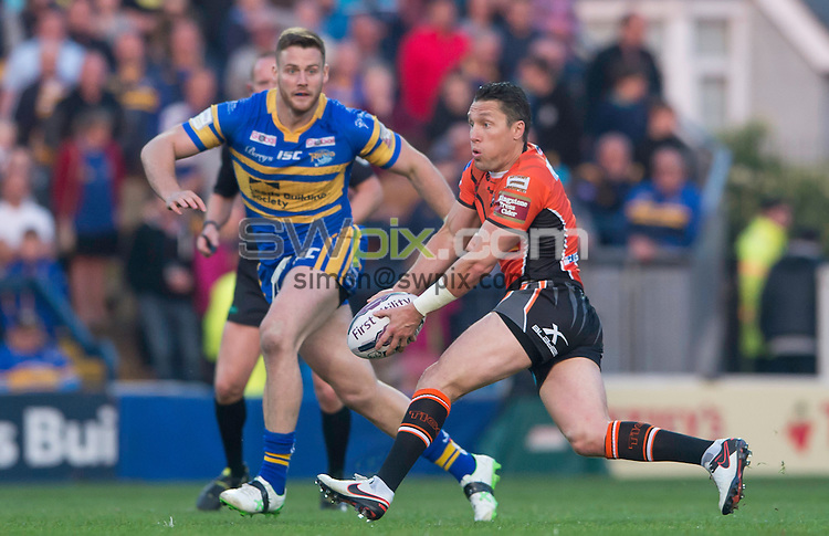 Picture by Allan McKenzie/SWpix.com - 12/05/2016 - Rugby League - First Utility Super League - Leeds Rhinos v Castleford Tigers - Headingley Carnegie Stadium, Leeds, England - Castleford's Luke Dorn prepares to pass.