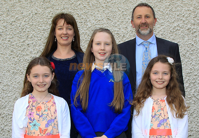 Colette and John Killen with Roisin, Niamh and Aoibhin during Confirmation at St. Joseph's Church in Mell, Drogheda on Monday 11th May 2015.<br /> Picture:  Thos Caffrey / www.newsfile.ie